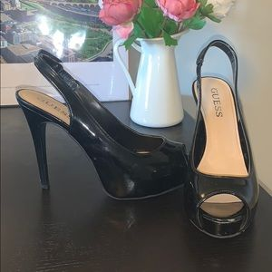 Guess black pump heels